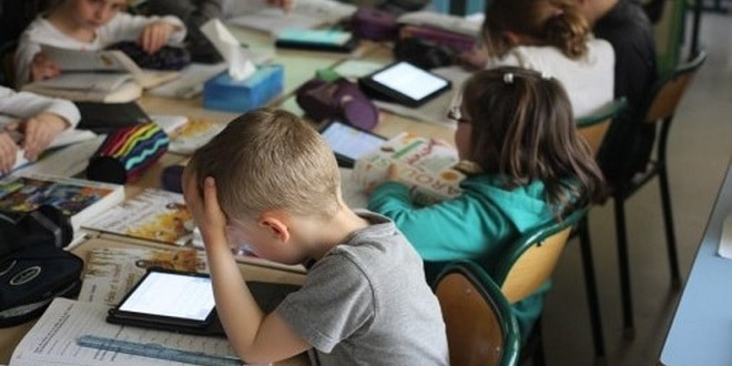 Les Français plébiscitent toujours le numérique à l'école