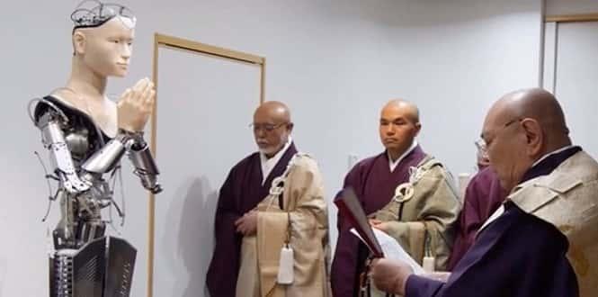Kannon, le robot qui enseigne le bouddhisme
